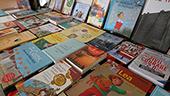 Bild Workshop Yuki UNHCR 2019 ausgestellte Bücher